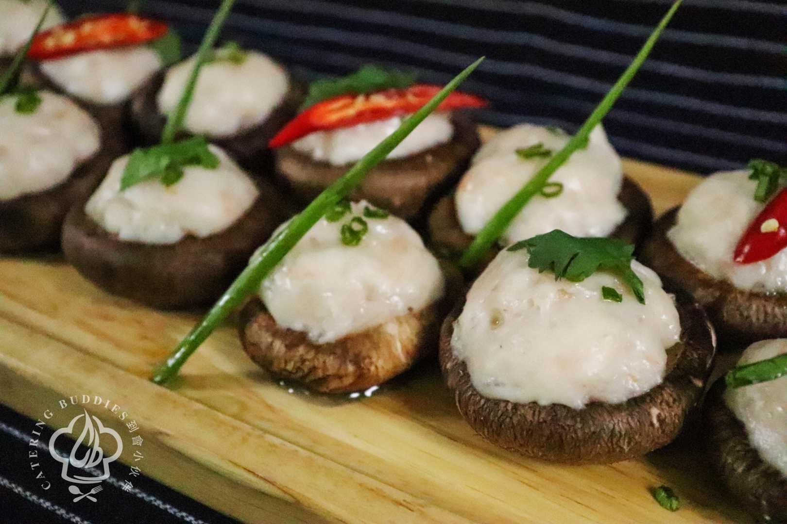 手打蝦膠釀鮮冬菇配鮮蟹肉蛋白汁 (15件)